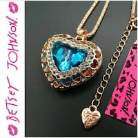 Betsey johnson large heart necklace  Salem, 24153