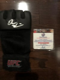 Dana white ufc glove Signed and authentic  Mississauga, L5K 2R4