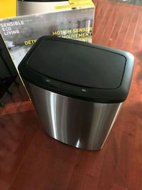 Motion sensor garbage can Bowmanville, L1C 5G4