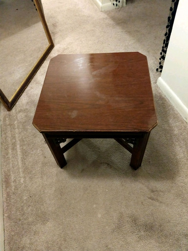Bedside table/lamp table/Night stand