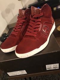 Gucci HiTop Sneakers. Size 9 G (fits like sz10) Herndon, 20171