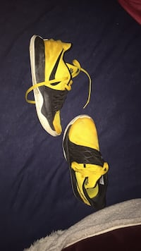 Kyrie lows (4) size: 8