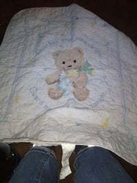 baby's white and brown bear print comforter Springfield, 65802