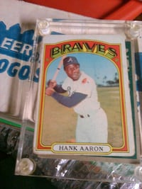Hall of Famer Hank Aaron baseball card