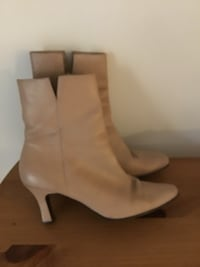 beige leather heeled mid-calf boots 32 km