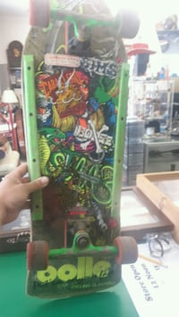 green and black skateboard deck Simcoe County, L0M