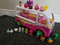 Shopkins and bus Cambridge