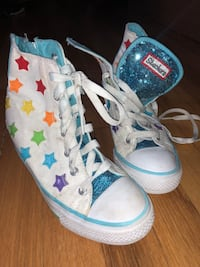 Sketcher High Top shoes With Stars Size 3 Rainbow Stars