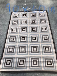 Large area rugs good condition see pictures