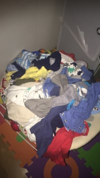 Baby's assorted-color clothes lot 39 km