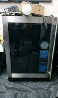 black and gray microwave oven Colorado Springs, 80920
