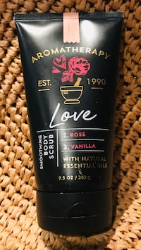 New Bath and Body Works rose and vanilla foaming body scrub! Silver Spring, 20904
