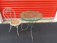 Patio Table with 1 Chair  Houston, 77061