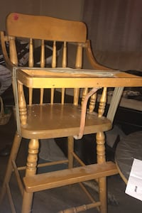 Antique high chair  Edmonton, T6E 1H9