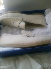 "Stuart Weitzman ""The Bromley Flat"" cream M11.5 Capitol Heights, 20743"