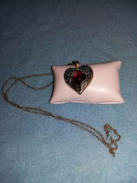 gold chain necklace with heartshape pendant and garnet gemstone Fort Campbell, 42223