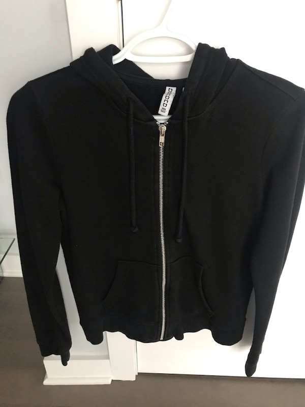 BLACK HOODIE SIZE SMALL