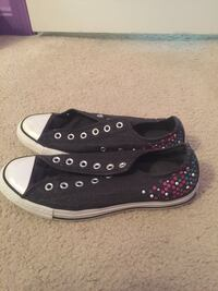 Gently used low top converses size 8. Sparkly and unique pattern! Price negotiable! Triangle, 22172