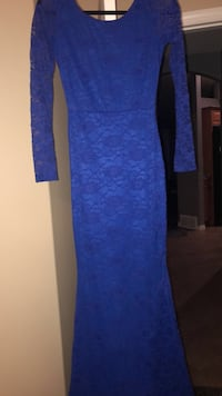 Blue floral scoop-neck long-sleeved dress size 4  Edmonton, T5Y 3J3