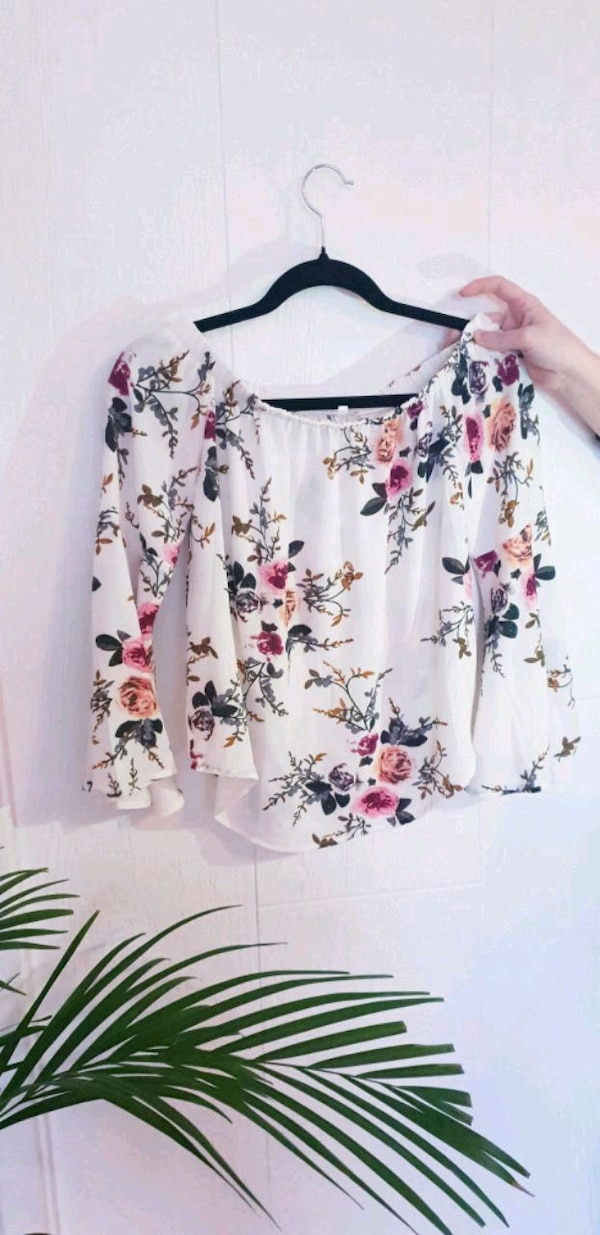 Blomsterbluse