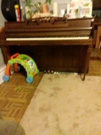brown spinet piano Elgin, 60120