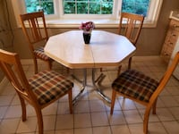 Kitchen table and 4 chairs Oakville, L6J 1W7