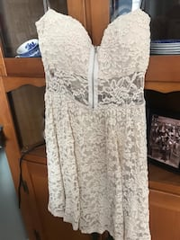 Off white dress size S Sykesville, 21784