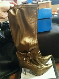 pair of gold leather boots size 6 1618 mi