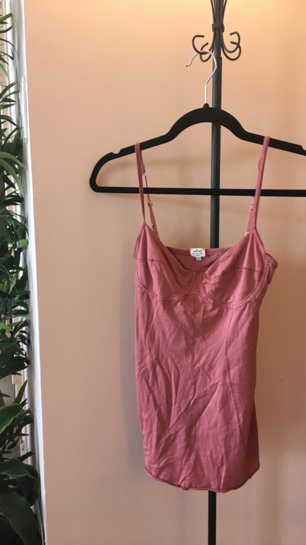 Small Wilfred camisole pink tank top aritzia