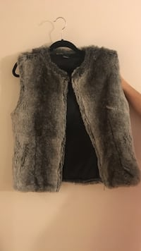 gray fur vest, never worn Washington, 20001