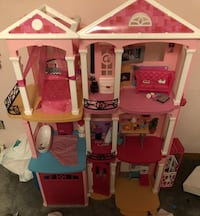 pink and white doll house Grove City, 43123