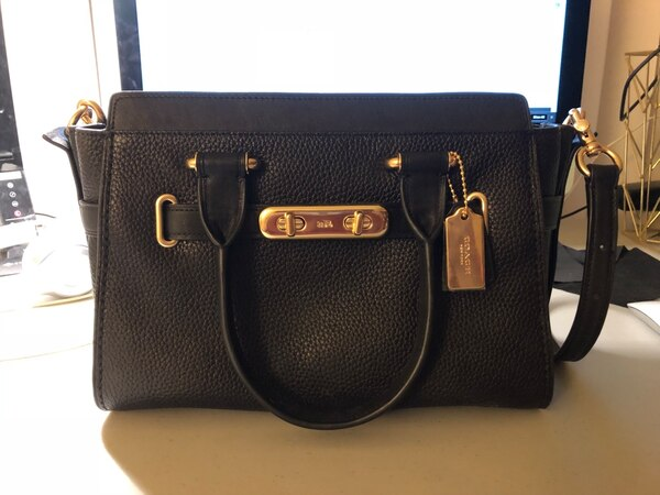 coach swagger 27 black/light gold