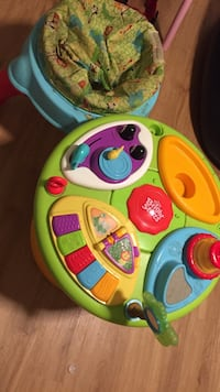 Baby's multicolored activity saucer Dover, 19904