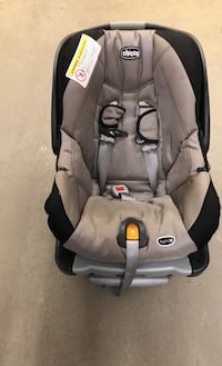 Baby car seat good condition.