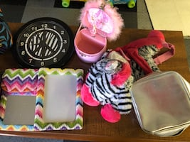 Girls accessories. Back pack, locker set, clock and more!