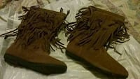 pair of brown frilled boots London, 40741