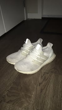 Ultraboost v3 triple white Burnaby, V5H