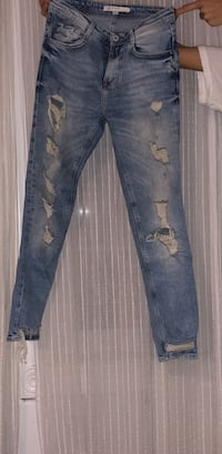 distressed blue-washed jeans Vaughan, L4L 1S2