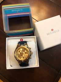 round gold chronograph watch with link bracelet New York, 11436