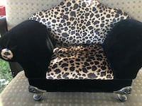 black and white leopard print sofa chair Bakersfield, 93304