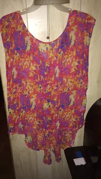 pink, yellow, and white sleeveless top