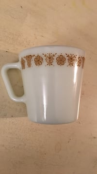 Vintage yellow Pyrex butterfly mug