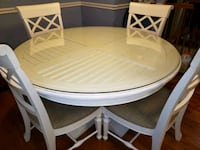 dining table round white Gainesville, 20155