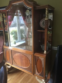 TODAY ONLY ($125.00) China Cabinet