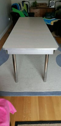 8 FOOT TABLE Richmond Hill, L4C 8C1