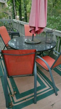 Patio table + 4 chairs Douglasville, 30135