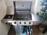 Nearly used Grill with new propane tank Omaha, 68106