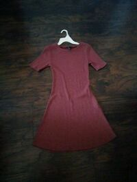 Small pinkish dress El Centro, 92243