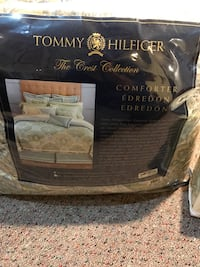 Tommy Hilfigar King Comforter MSRP $400. Used for 1 month and dry cleaned. Like new.