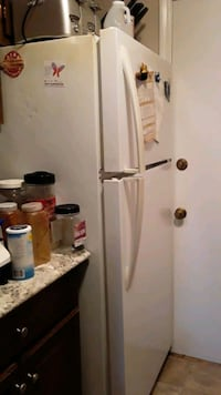 Kenmore refrigerator in good working condition Lynn, 01905